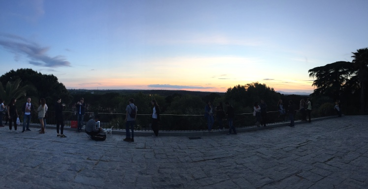 There were musicians, couples, tourists, photographers, all here to enjoy the spectacular view at dusk